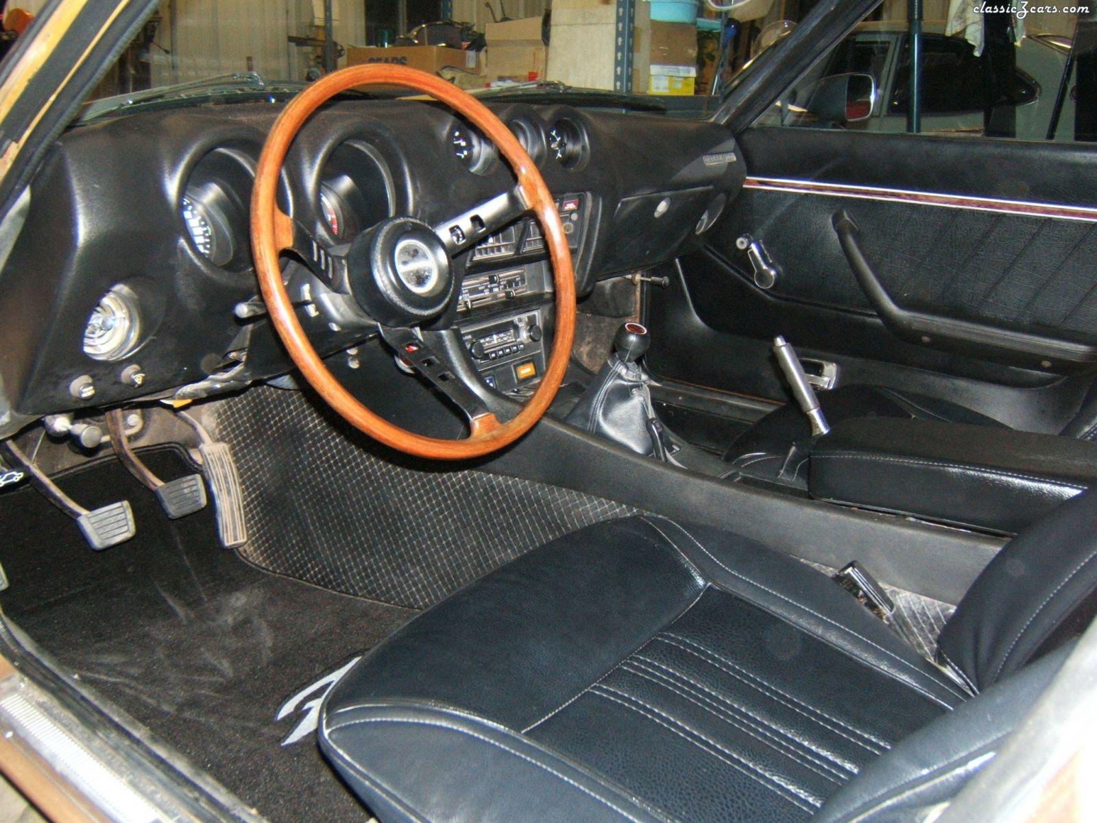Interior, driver side