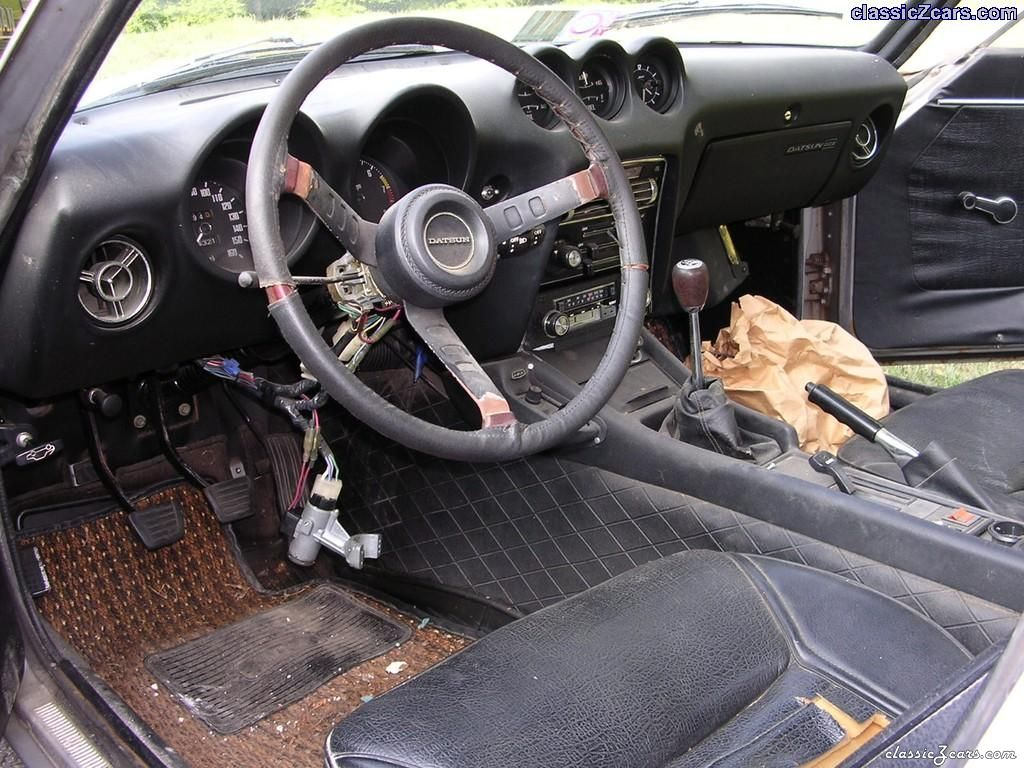240Z interior