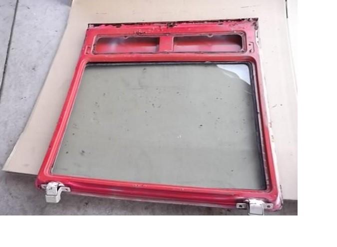 z-hatch-glass-no-defroster.jpg