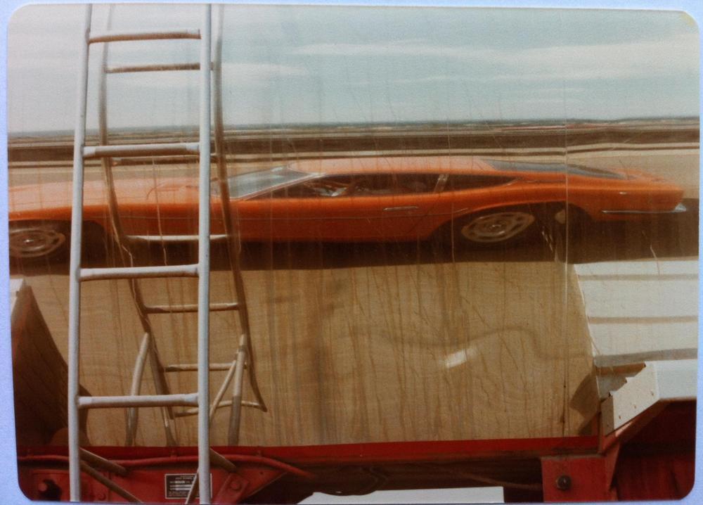 240Z-tanker reflection Aug-79.jpg