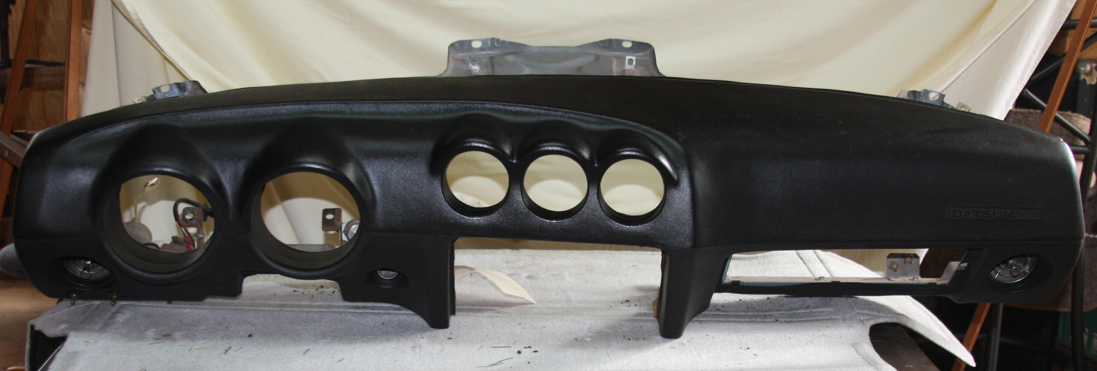 280z Dash and frame