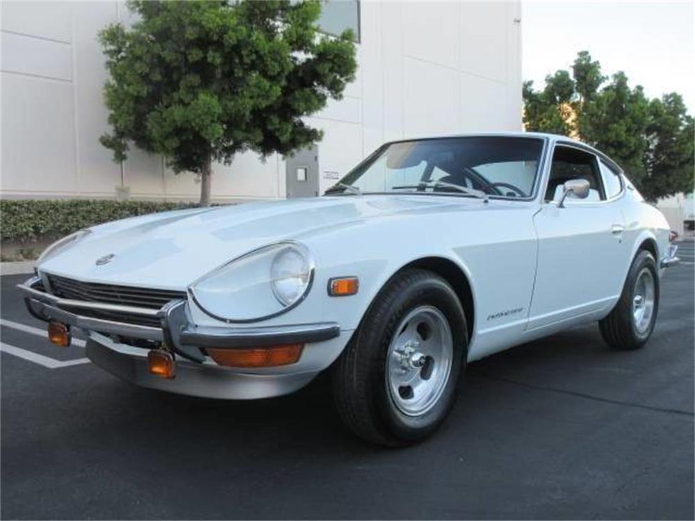 15664007-1971-datsun-240z-std.jpg