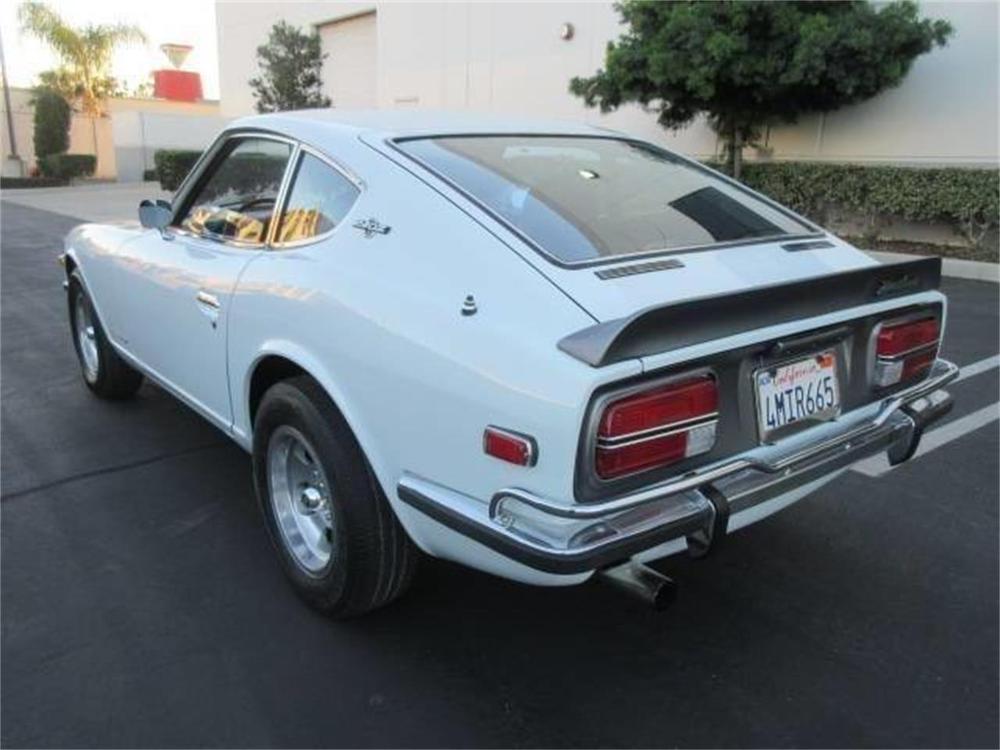 15664021-1971-datsun-240z-std.jpg