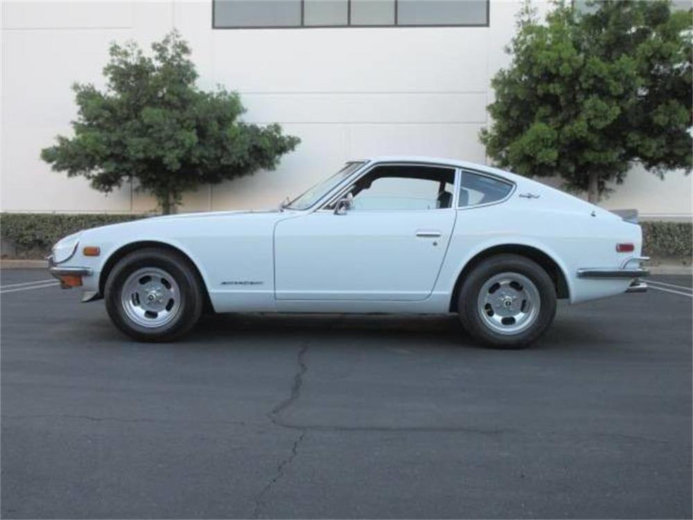 15664048-1971-datsun-240z-std.jpg