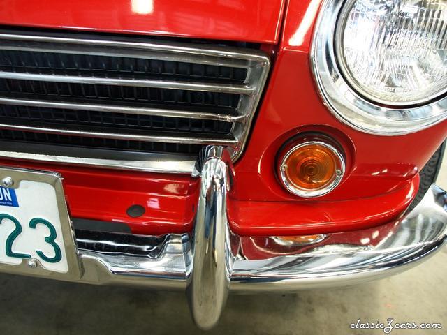 1967 Datsun 1600 Roadster 003 - Copy.JPG
