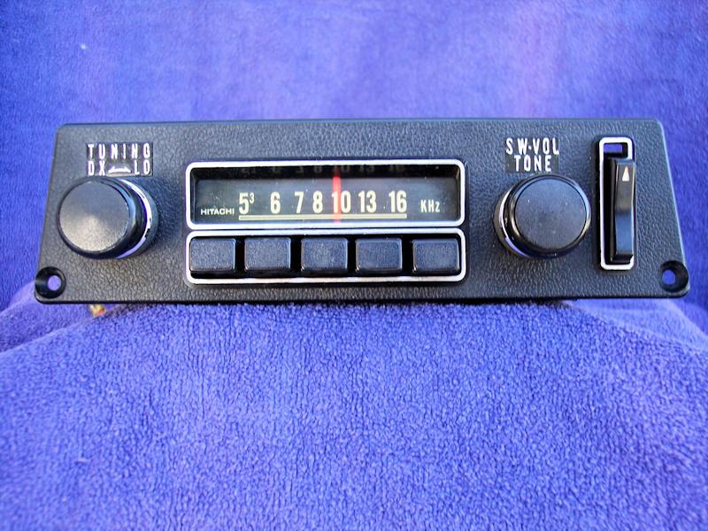 240Z AM Signal Seeking Radio