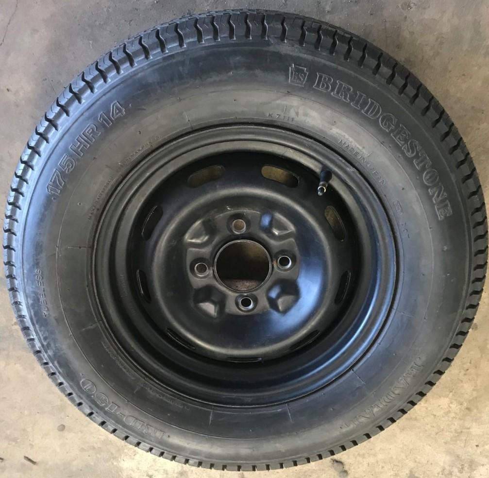 Tires for 1970 240Z wanted