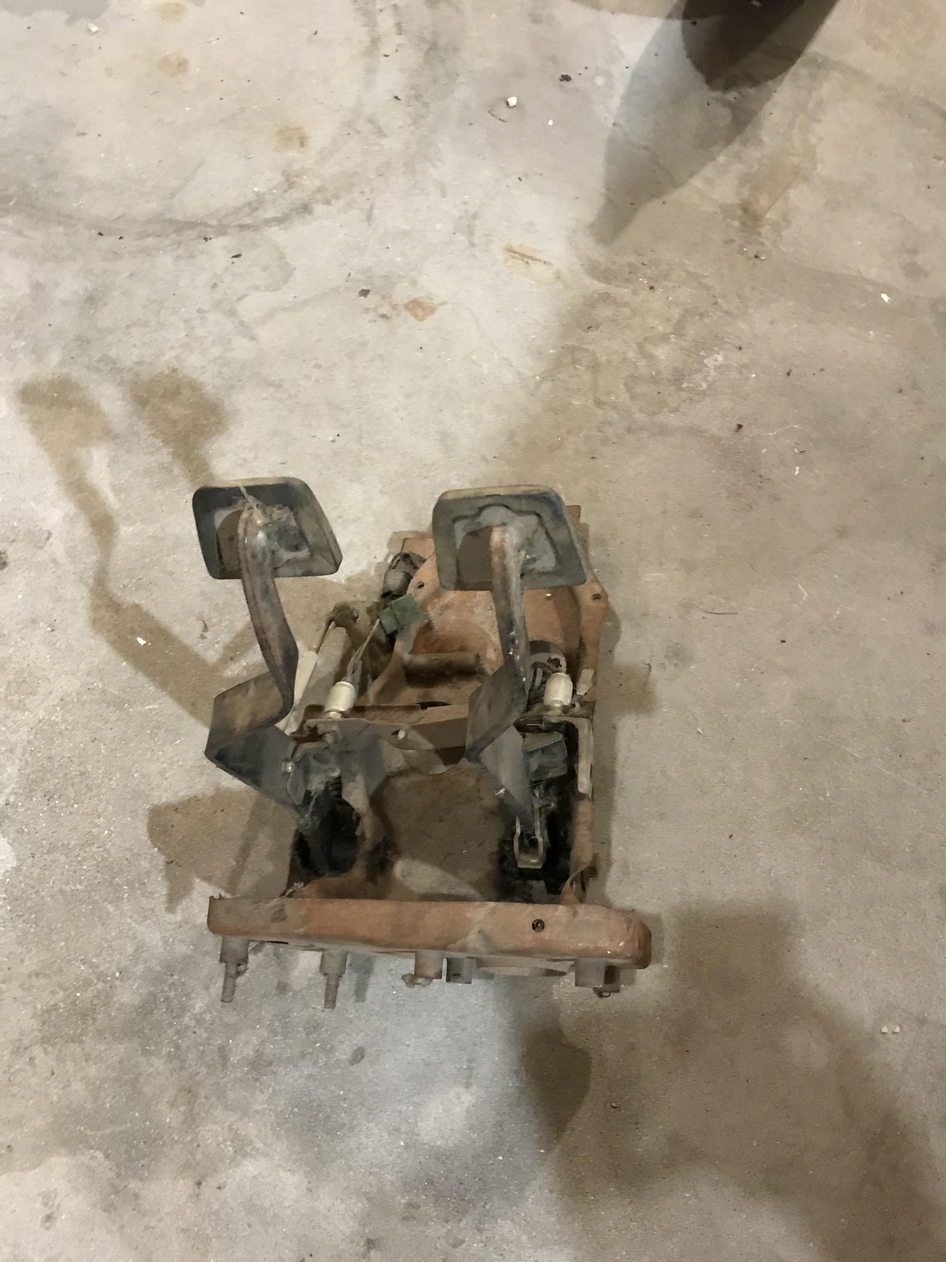240z pedal box